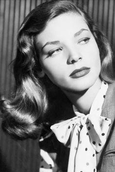 Mujer fatal Lauren Bacall, icono de belleza inmortal