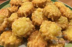 Fantasztikus sajtos pogácsa, akár chips vagy sós pálcika helyett. Tökéletes falatkák filmnézéshez!   TopReceptek.hu Kefir, Cauliflower, Chips, Vegetables, Ethnic Recipes, Food, Potato Chip, Cauliflowers, Essen