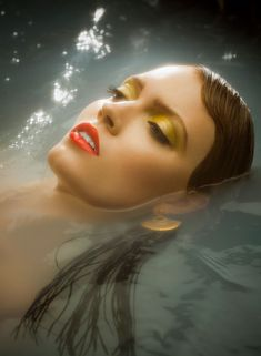 Deep Waters – Shayne Laverdière captures a beauty story perfect for summer with Isabelle G getting cool as she dips into a pool of water.