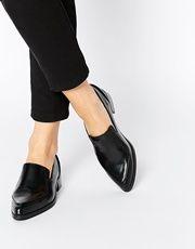 Туфли на плоской подошве с острым носком ASOS MILES