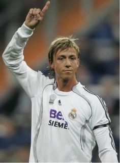 Guti Real Madrid, Football Hall Of Fame, Best Football Team, Best Player, Soccer, Graphic Sweatshirt, Club, Sweatshirts, Euro