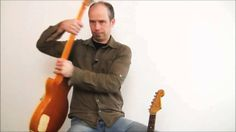 Auszug aus dem E-Gitarrenkurs von Andreas Vockrodt, in dem er Anfänger online zeigt, wie man E-Gitarre lernt