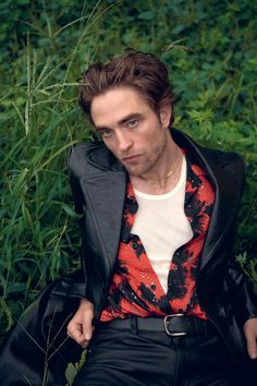 Robert Pattinson tells Willem Dafoe what he's terrified about King Robert, Robert Douglas, Beautiful Boys, Pretty Boys, Beautiful People, Fangirl, Robert Pattinson Twilight, Madame, Foto E Video