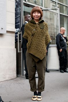 Think I'll restyle.  One long, wide rectangle moves from scarf to sweater-like wrap.