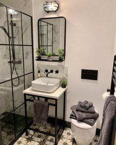 Black Shower Tray, Small Bathroom Interior, Black Bathroom Taps, Industrial Bathroom Design, Modern Small Bathrooms, Small Shower Room, Upstairs Bathrooms, Home And Deco, Bathroom Inspiration