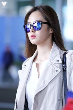 140508 yuri's airport fashion