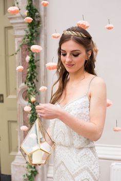 {Styling and crafting} Organic exotic bridal shoot featuring handmade paper flower curtain. Image by Philippa Sian Photography - Hampton Court House Mermaid Bride Dresses, Indian Bride Dresses, Princess Bride Dress, Wedding Dresses, Hampton Court House, Bride Dress Simple, Exotic Wedding, Lace Bride, Courthouse Wedding