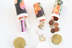 Reuse those empty prescription pill bottles in all sorts of ways. From organizing to making cookies. Yes, cookies! See how to use your empty pill bottles! Medicine Bottle Crafts, Pill Bottle Crafts, Medicine Bottles, Diy Bottle, Reuse Pill Bottles, Spice Bottles, Decor Crafts, Diy Crafts, Card Crafts