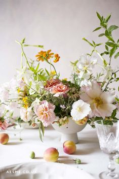 Winter Wedding Flowers, Spring Wedding Flowers, Floral Wedding, Wedding Bouquets, Flower Table Decorations, Table Flowers, Flower Centerpieces, Flowers London, British Flowers