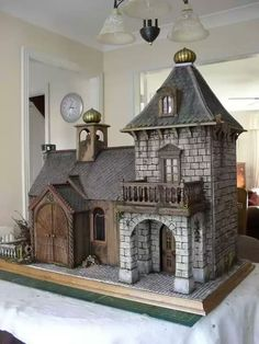 Miniature Russian Lodge dollhouse dad you must make! Haunted Dollhouse, Haunted Dolls, Dollhouse Dolls, Dollhouse Miniatures, Victorian Dollhouse, Modern Dollhouse, Castle Dollhouse, Victorian Dolls, Dollhouse Ideas