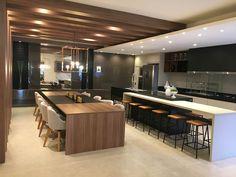 Here you will find photos of interior design ideas. Modern Kitchen Interiors, Luxury Kitchen Design, Kitchen Room Design, Kitchen Cabinet Design, Luxury Kitchens, Home Decor Kitchen, Kitchen Living, Modern House Design, Interior Design Kitchen