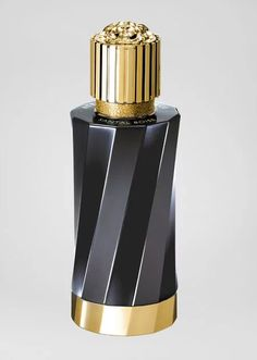 beauty and fashion: Versace presents its first extravagance unisex scent line, 'Atelier Versace Fragrance' Versace Perfume For Men, Versace Fragrance, Versace Men, Fragrance Parfum, Gianni Versace, Black Perfume, Pink Perfume, Atelier Versace, Logo Atelier