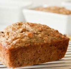 Low-Fat Banana Bread: This recipe uses applesauce instead of oil to cut fat and calories but retain moisture. Delish! | via @SparkPeople #food #baking
