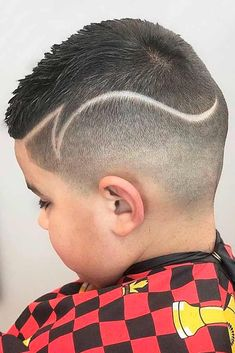9 Stylish Boys Haircuts To Have Fun Keeping Up With Trends Stylish Boy Haircuts, Boy Haircuts Short, Toddler Boy Haircuts, Boy Hairstyles, Cool Boys Haircuts, Boys Haircuts With Designs, Hair Designs For Boys, Curly Kids, Boys With Curly Hair