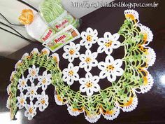 Desi* - Artesanatos em Crochê: Centro de Mesa Espiral de Margaridas