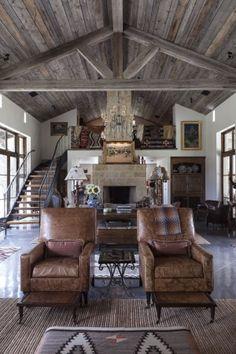 Cool 42 inspiring home interior cabin style design ideas. Cabin Homes, Log Homes, Metal Building Homes, Building A House, Prefab Metal Homes, Casas Containers, Farmhouse Master Bedroom, Master Bedrooms, Modern Bedroom