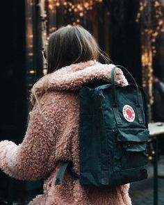 Mochila Kanken, Backpack Outfit, Kanken Backpack, Cute Teen Outfits, Simple Outfits, Sweater Weather, Urban Outfitters, Autumn Fashion, My Style