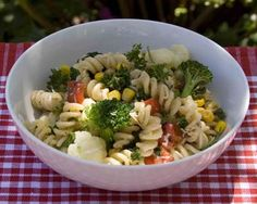 Picnic Pasta Salad | All recipes with Trader Joes products for easy, quick, healthy meal ideas