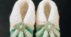 Miss Julia's Vintage Knit & Crochet Patterns: Free Patterns - 30 Baby Booties to Knit - Crochet Baby Knitting Patterns, Baby Booties Knitting Pattern, Knit Baby Shoes, Baby Shoes Pattern, Shoe Pattern, Crochet Baby Booties, Crochet Slippers, Knit Or Crochet, Baby Shoes