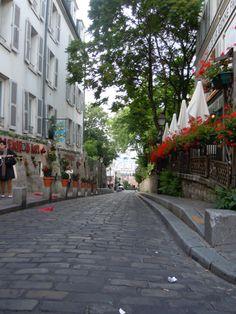 Little Parisian alleys (Photo by Lexi McKenzie)