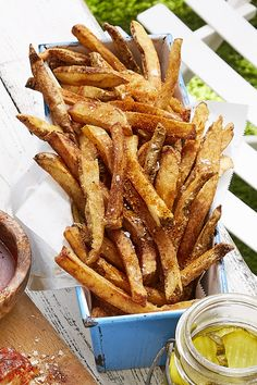 The secret to perfectly crispy fries? Double frying them, of course. Recipe: Old Bay French Fries Old Bay French Fries Recipe, Homemade French Fries, Best French Fries, Dutch Oven Recipes, Cooking Recipes, Skillet Recipes, Fruit Recipes, French Recipes, Cooking Gadgets