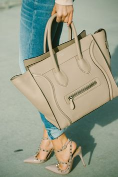 Nude neutral bag + Valentino Rockstud= Perfection