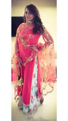 Wedding diaries! In #seemakhan and #satyanifinejewels by maheep kapoor!
