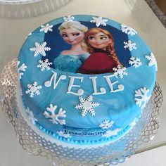 Heute habe ich für ein kleines Mädchen eine #Geburtstagstorte gemacht. Sie wünschte sich die #Eiskön - torte_lini