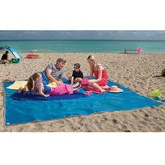 The Four-Person Sandless Beach Mat. Vom Militär entwickelt. Sand fällt durch und kann nicht wieder an die Oberfläche geraten.
