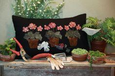 Wool Applique Pattern Potted Geranium Pillow by FiddlestixDesign Motifs Applique Laine, Applique Pillows, Wool Applique Patterns, Felt Applique, Wool Pillows, Applique Quilts, Rug Patterns, Applique Ideas, Throw Pillows