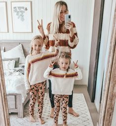 Mummy and daughter matching clothes Matching Clothes, Matching Outfits, Twin Outfits, Daughters, Twins, Winter Fashion, Business, Winter Fashion Looks, Store