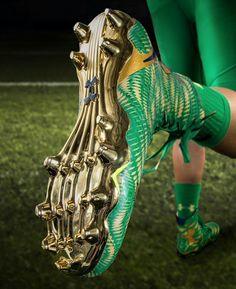 Shamrock Series 2015 Cleats Go Irish, Irish Pride, Soccer Cleats, Soccer Ball, Notre Dame Football, Fighting Irish, Chicago Cubs, Ronaldo, Green And Gold