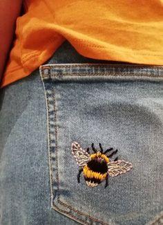 Bumble Bee Stickerei // DIY Denim Stickerei // bestickte Jeans #bestickte #bumble #denim #jeans #stickerei Stickerei