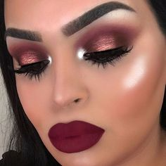 I'll always be in love with burgundy tones ❤️ @anastasiabeverlyhills @nicoleguerriero Glow Kit in Forever Lit @kyliecosmetics @kyliejenner Leo Lip Kit @hudabeauty @shophudabeauty Rose Gold palette, Samantha lashes @hourglasscosmetics Vanish Foundation in Linen @tartecosmetics Amazonian Clay blush in Seduce, Shape Tape in Light Sand @benefitaustralia Hoola bronzer, Kabrow in 5 @toofaced Hangover primer @sigmabeauty Wicked Gel liner & eye brushes