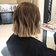 20 New Style Blunt Bob Haircuts - Balayage Haare Blond Kurz Short Brown Hair, Brown Blonde Hair, Blunt Bob Haircuts, Short Blunt Haircut, Brown Bob Haircut, Haircut Bob, Bob Hairstyles For Thick, Cool Haircuts, Medium Hair Styles