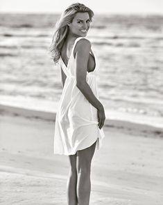 Rachel Reynolds, Most Beautiful Women, White Dress, Dresses, Fashion, Vestidos, Moda, The Most Beautiful Women, Fashion Styles