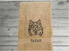 Bath Hand Towel, Wolf Design – Borgmanns Creations Red Towels, Rustic Home Interiors, Wolf Design, Farmhouse Decor, Kids Room, Embroidery, Kitchen Towels, Decor Ideas, Animals