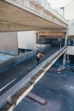 Abandonment Issues :: Hawthorne Mall with Michele Maturo   The Hundreds