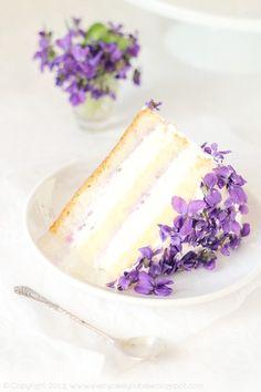 菫のケーキ