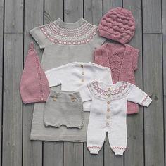 «I morgen går det nye høst og vinterheftet til barn i trykken :) Da er det ikke… Knitting For Kids, Baby Knitting Patterns, Baby Patterns, Baby Born Clothes, Knitted Baby Clothes, Pinterest Baby, Baby Outfits, Kids Outfits, Toddler Fashion