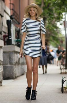 Your Perfect Look: STREET STYLE INSPIRATION; NAVY STRIPES.-