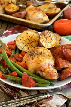 Chicken and Linguica Sheet Pan Dinner - This flavorful Portuguese-inspired dinner is easy to prepare and even easier to clean up afterwards! Seafood Recipes, Chicken Recipes, Cooking Recipes, Turkey Recipes, Linguica Recipes, Best Easy Dinner Recipes, Delicious Recipes, Foil Pack Meals, Portuguese Recipes