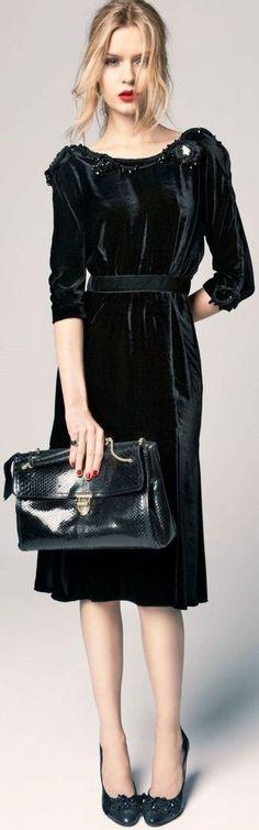 Nina Ricci black velvet knee-length dress with cristal details on shoulder. Stunning piece, all made in France. French Size 38 Original Price 3800EUR