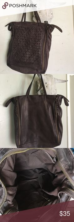 Soft leather bag Big enough for your laptop or to carry everything you need for a night out. Soft leather. 3 internal pockets. Great condition! Bags Hobos
