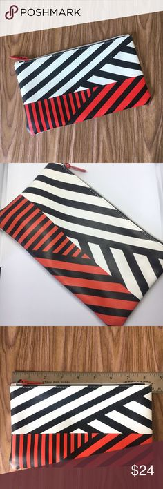 NWT Sephora striped makeup bag pouch Beautiful brand new with tags Sephora cosmetic bag. Zippered top closure, made of washable material. Comes from a smoke free pet free home. Sephora Bags Cosmetic Bags & Cases