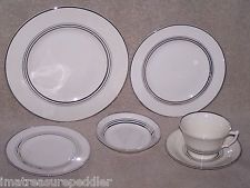Syracuse China USA made Ivory w/ Platinum Silver 24 piece Dinnerware Set Nimbus