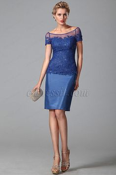 Vestido azul con encaje corto