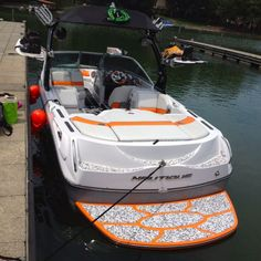 Our buddy Gasman just shared these photos of his rebadged Nautique 220 (now a G22!). He obviously has friends in high places. We made the custom SeaDek kit in snow camo over black with an Oakley skull eating the O. Sick looking boat!