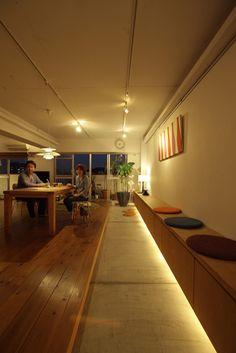 【リノベ暮らしな人々】vol.20 土間が主役の住まい Apartment Interior, Room Interior, Interior And Exterior, Japanese Living Rooms, Japanese House, Condo Decorating, Interior Decorating, Interior Design, Residential Architecture