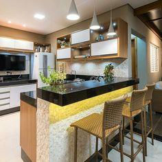 58 Unique Kitchen Island Design Ideas For Home Small Modern Kitchens, Modern Kitchen Island, Kitchen Sets, Beautiful Kitchens, Home Kitchens, Kitchen Decor, Kitchen Islands, Kitchen Bar Design, Interior Design Kitchen